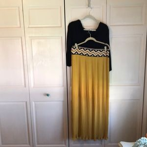 Dresses & Skirts - Top and skirt
